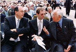 Philharmoniker-Vorstand Clemens Hellsberg mit dem Präsidenten der Israelitischen Kultusgemeinde Ariel Muzicant und Leon Zelman